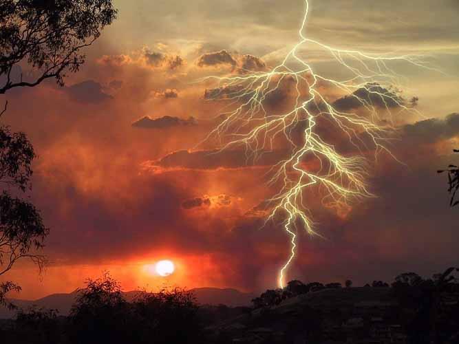 lightningsunset.jpg